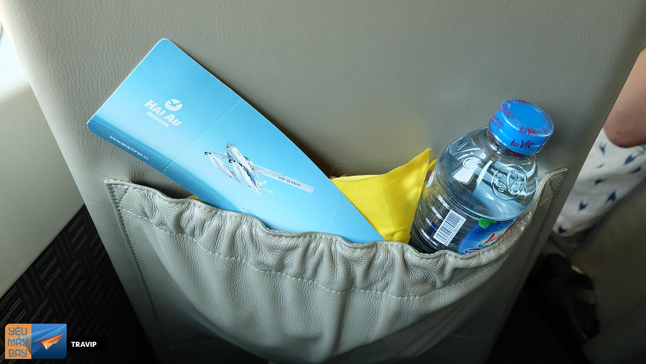 Drinking water for passengers is placed in the front seat bag.